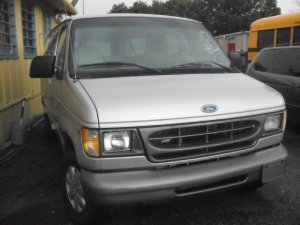 1997 FORD CLUB-WAGON VAN