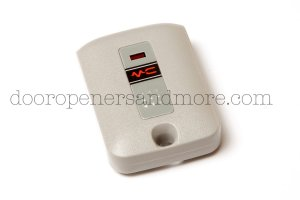 Eagle EG 152: 1-Channel Key Ring Garage Door / Gate Opener Remote - 300 Mhz