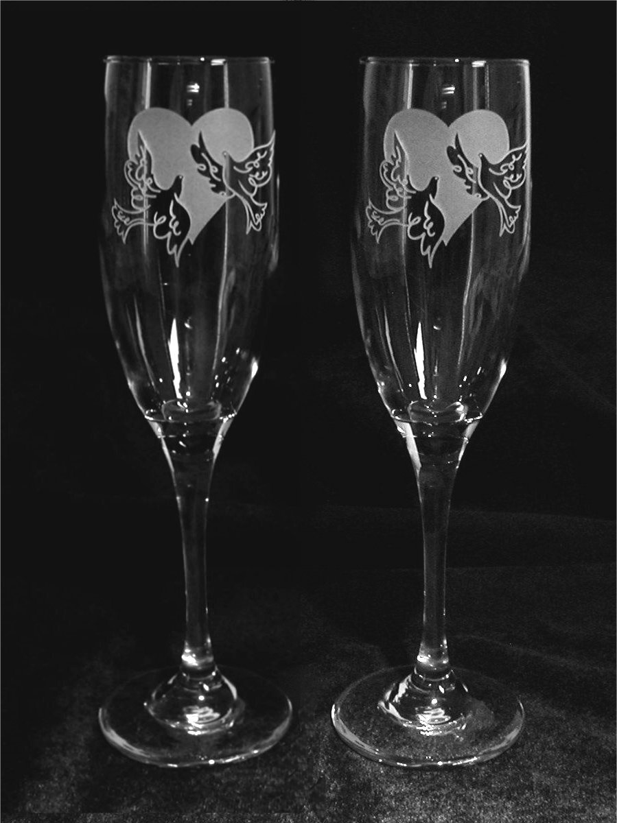 Heart and Doves Theme Wedding Toasting Glasses