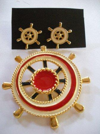 80�s Vintage Sea and Boat Caption Wheel Jewelry Set