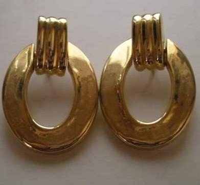 80�s Vintage Gold tone Hoop Clip On Earrings