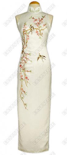 Stunning Tao Hua Embroidered Silk Cheongsam