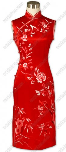 Charming Floral Embroidered Silk Cheongsam