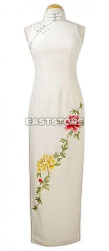 Graceful Peony Embroidered Silk Cheongsam