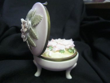 Vintage Pin Cushion Arnart  S8629R  Footed  Dresser Box  Erich  Stauffer  Kalk