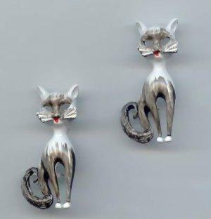 Adorable Vintage Enamel Cat Scatter Pins