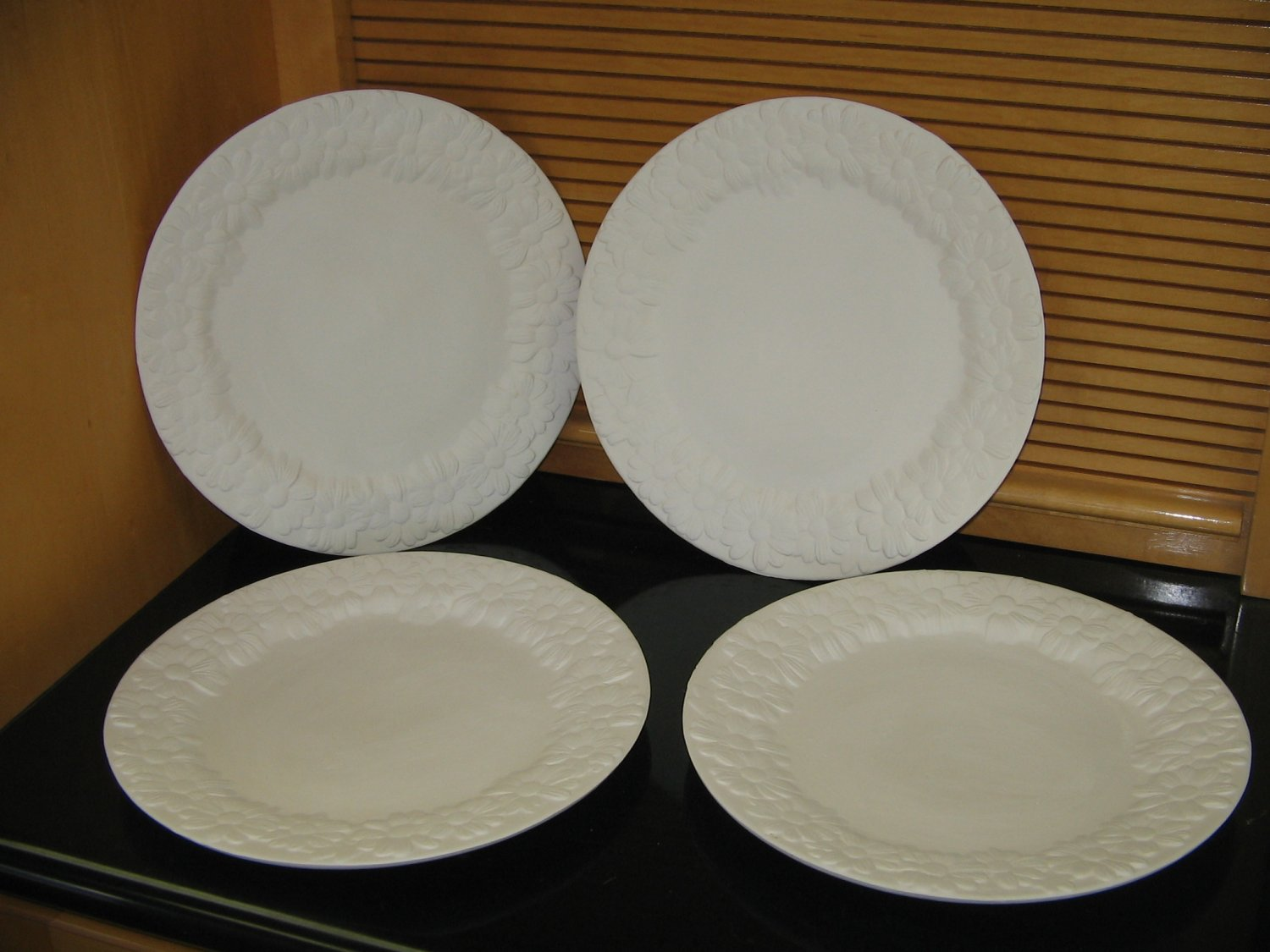 Daisy Design Dinner Plates Set Of 4 Ceramic Bisque Ready To Paint U Paint