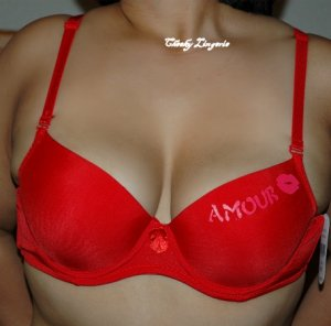 38C KISS UNDERWIRE T-SHIRT BRA red