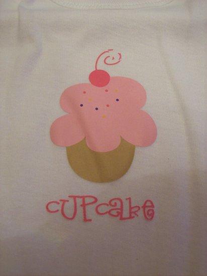 """White, """"Cupcake"""""""