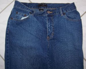 WOMEN�S NEW YORK & CO. STRETCHED BLUE JEANS W30xL29
