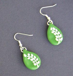 Leafy Green Earrings