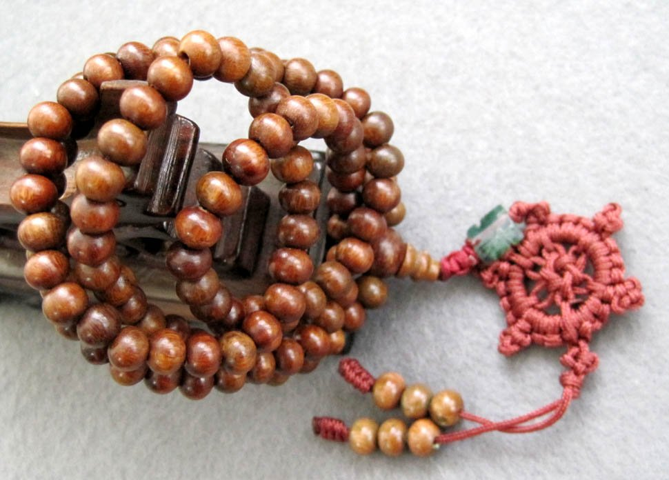 Tibet Buddhist 108 Green Sandalwood Beads Prayer Mala Necklace  6mm  ZZ004