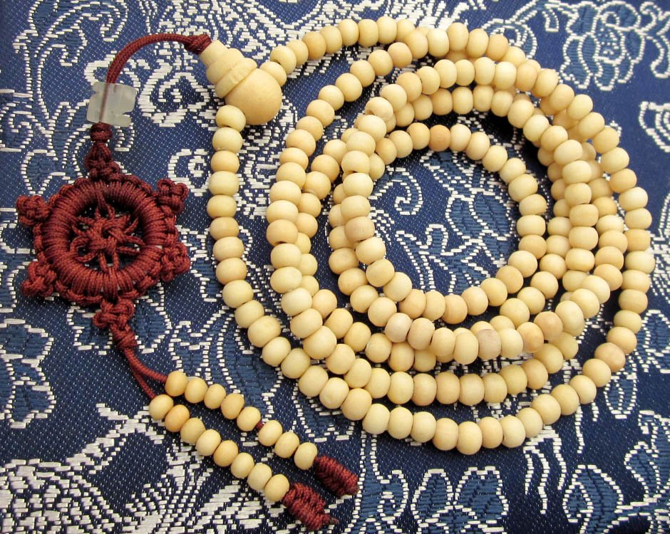 Tibet Buddhist 216 White Sandalwood Beads Prayer Mala Necklace  ZZ038