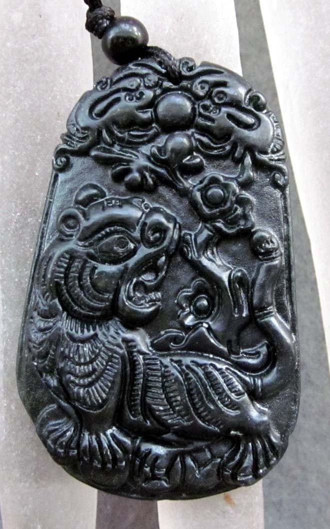 Black Green Jade Fortune Tiger Twin Dragon Amulet Pendant  TH115