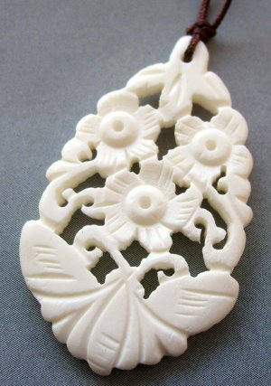 Ox Bone Carved Butterfly Flower Pendant 42mm*27mm  T1800