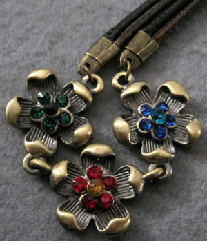 Acrylic Diamond Alloy Metal Flower Pendant Necelace 18mm*18mm  T2007