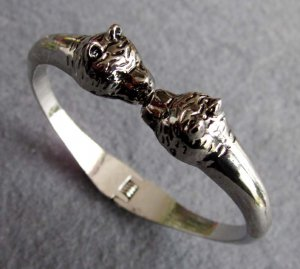 Alloy Metal Twin Wolf-Heads Bangle Bracelet  T2566