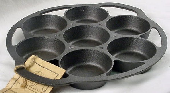 Old Mountain Iron Biscuit Pan