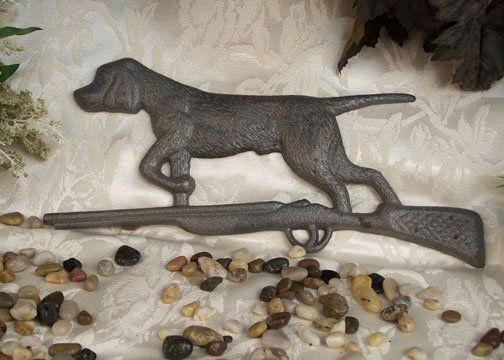 Cast Iron Hunting Dog On Rifle Plaque