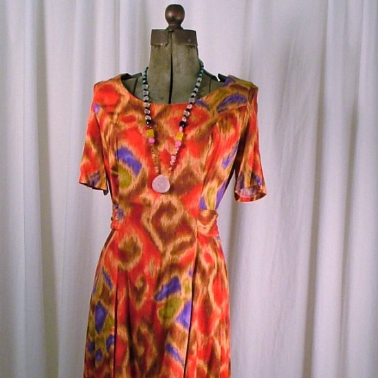 Custom Red grapic dress 6-8