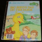 Big Bird's Day on the Farm (A Little Golden Book) by Cathi Rosenberg-Turow [First Edition]