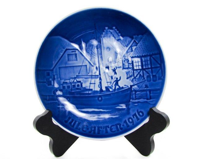Bing & Grondahl 1976 Christmas Welcome Plate B&G, Kjobenhavn, Denmark Cobalt blue