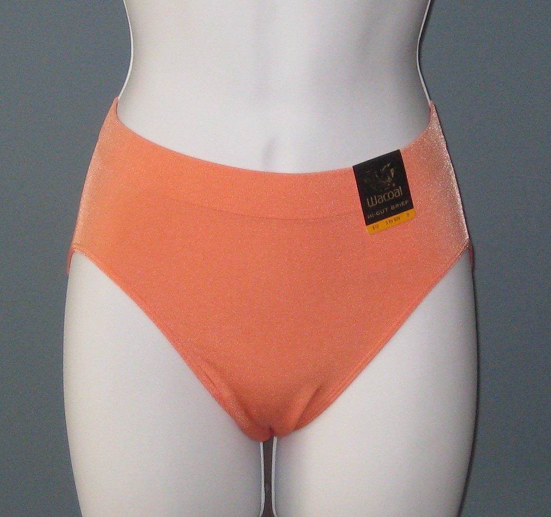 NWT Wacoal B-Smooth Peach Hi-Cut Brief Panties #834175 - S