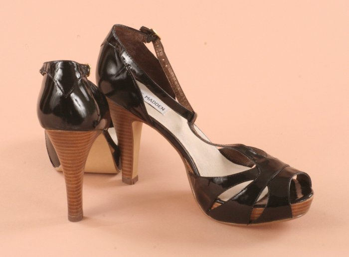 STEVE MADDEN PASCHA BLACK PATENT LEATHER PLATFORM 9.5M