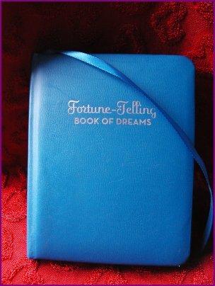 FORTUNE-TELLING BOOK OF DREAMS - MC CLOUD