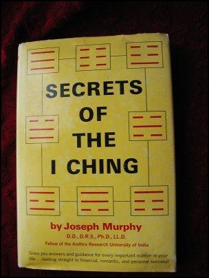 SECRETS OF THE I CHING - MURPHY (1970) HC