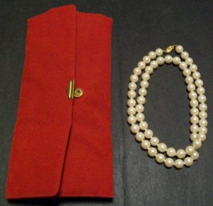 Faux Pearl Necklace with Case (Vintage)