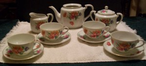 Jyoto China Tea Set for 4 (floral pattern)