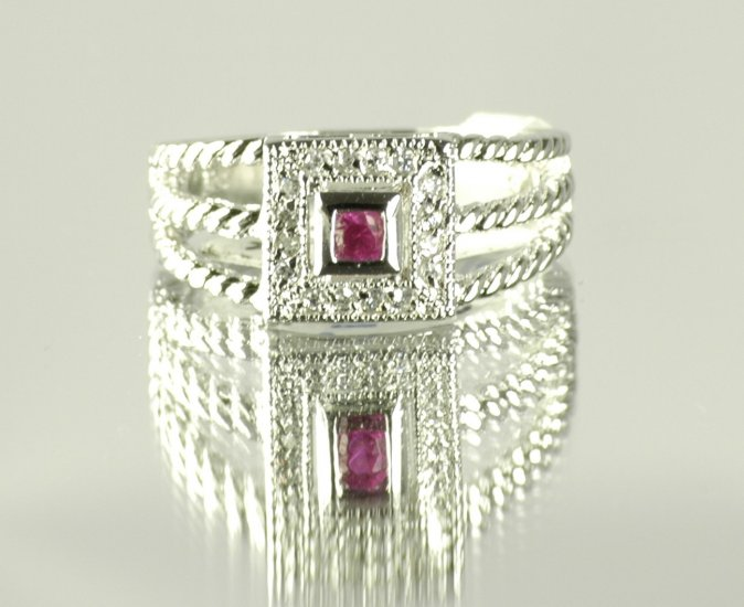 Cubic Zirconia Fashion Ring in Pink/Red, size 8