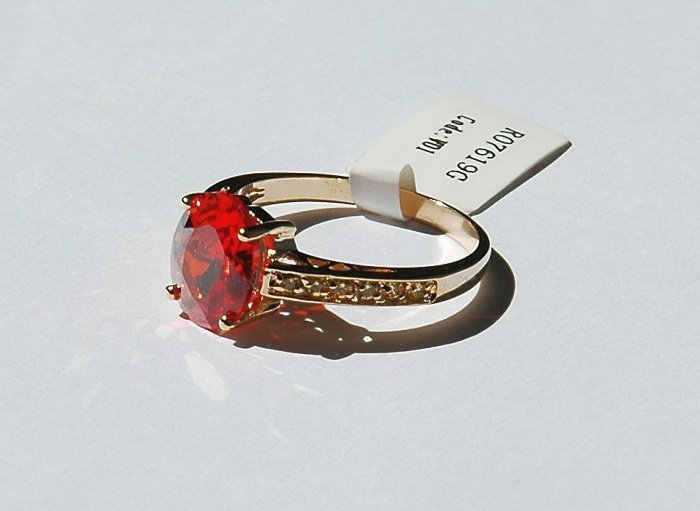 Fashion Ring in Orange Red & Yellow Cubic Zirconia in goldtone, size 8