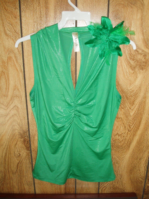 Green Junior's Top, Size Medium, M