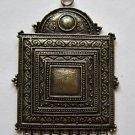 Brass Necklace 56x37 Centerpiece
