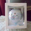 Frosty Friends So Nice Being on Ice Large Hallmark 2008 Holiday Ball Collection Ornament