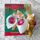 Carlton Kitty from the Purr-fect Holiday Collection 2004 White Iridescent #2