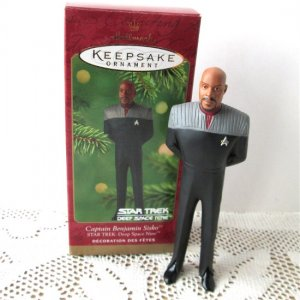 Star Trek Captain Benjaamin Sisko Deep Space Nine Hallmark Ornament 2001