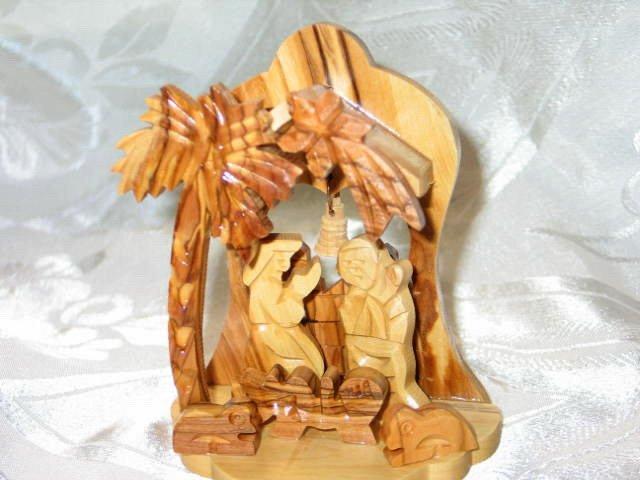 Medium Olive Wood Nativity Scene from Bethlehem I