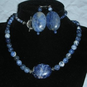 STUNNING SODALITE STONE NECKLACE **LQQK**FREE EARRINGS
