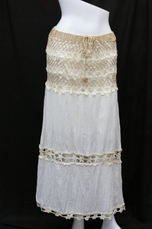 Crochet in the middle skirt