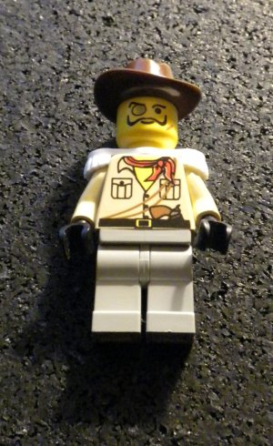 Lego Adventurers Desert Baron von Barron Custom-built Minifig