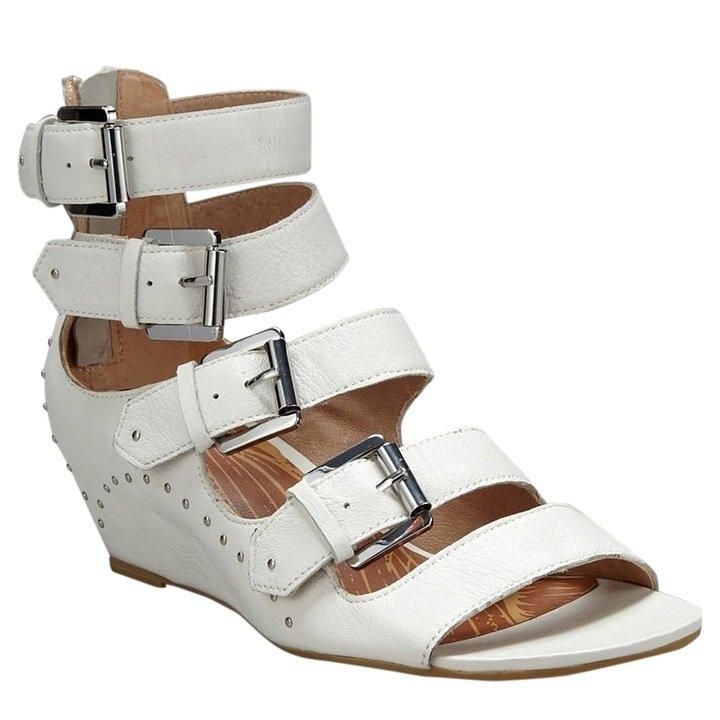 Matiko Maddox Wedge Sandal - US 7 - White
