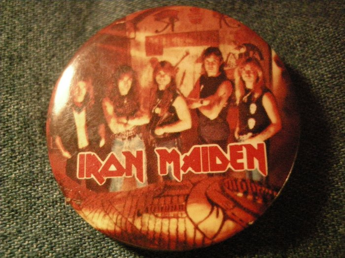 IRON MAIDEN PINBACK BUTTON Powerslave band pic VINTAGE