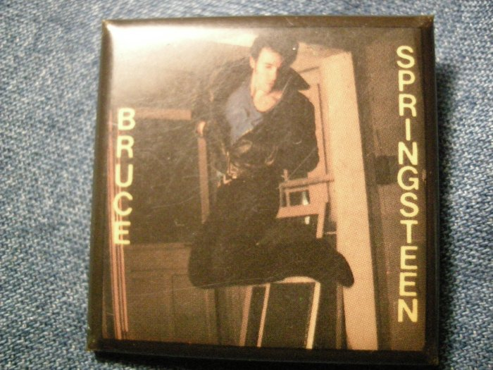 BRUCE SPRINGSTEEN PINBACK BUTTON jumping pic square VINTAGE