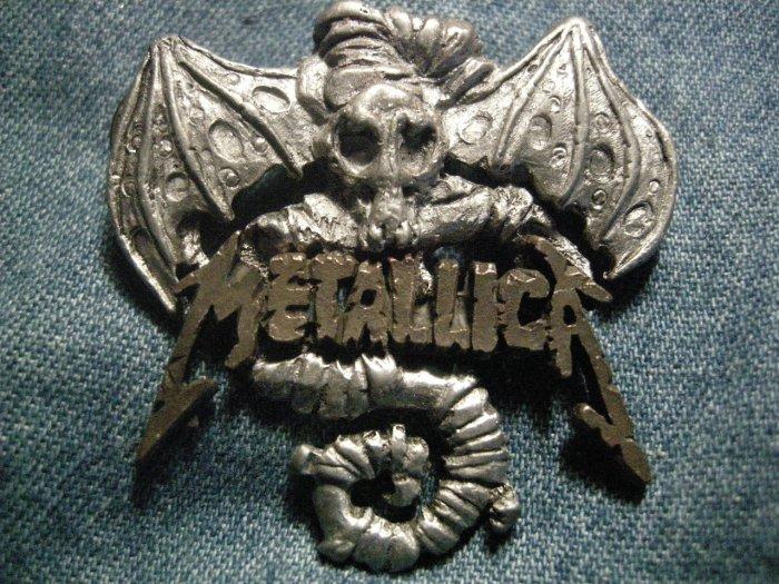 METALLICA METAL PIN Creeping Death logo badge VINTAGE