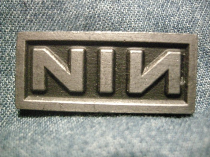 NINE INCH NAILS METAL PIN nin logo badge VINTAGE