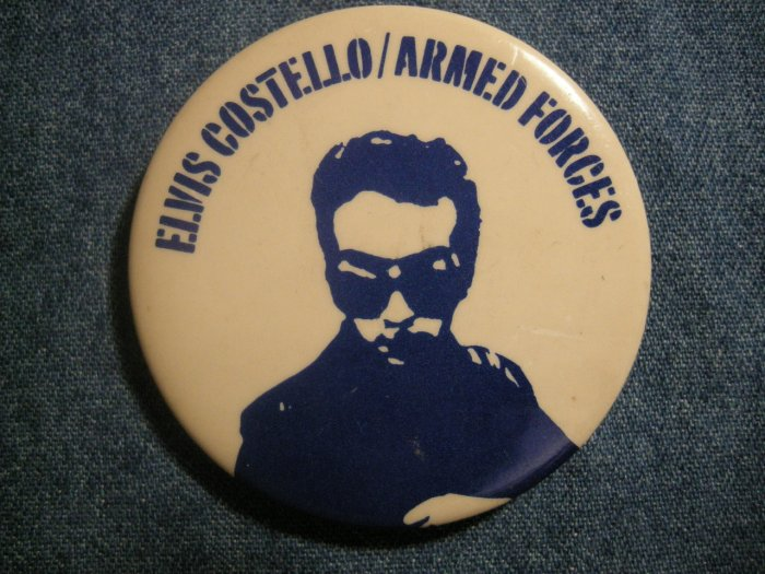 ELVIS COSTELLO PINBACK BUTTON Armed Forces VINTAGE