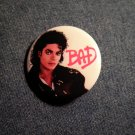 MICHAEL JACKSON PINBACK BUTTON Bad licensed NEW